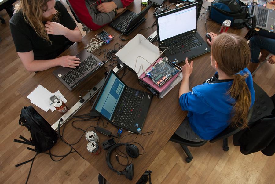 FPGA programming at kwartzlab 091