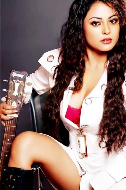 Actress Meenakshi High Definition Stills