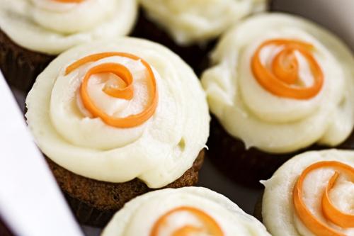 feb0609carrotcupcakes_1