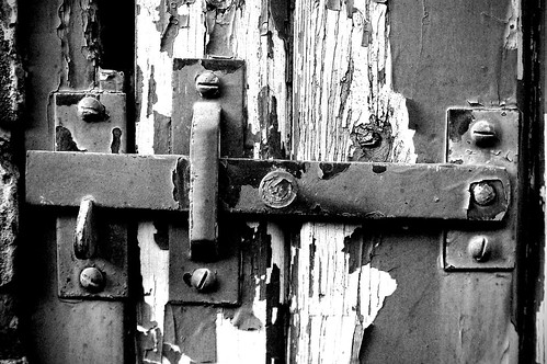 052/365 On the latch