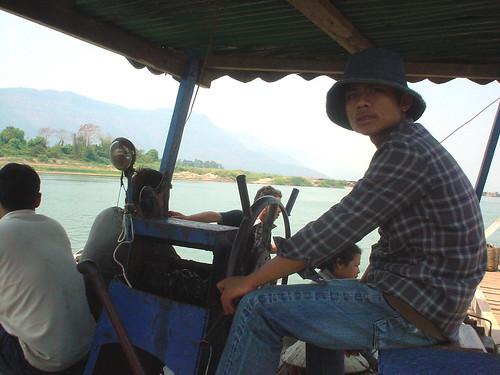 21.湄公河上渡船的船長