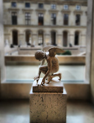 Angel (` Toshio ') Tags: windows blur paris france building art window statue museum architecture angel french bravo dof artistic louvre interior tuileries marble museedulouvre toshio pedastal selectiveblur aplusphoto tuileriesquarter