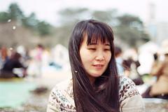 mika (angie.star) Tags: park film japan tokyo petals spring nikon shinjuku   cherryblossoms   f80 mika  hanami shinjukugyoen  nikonf80  centuria   ftps greedypiglet ftpsdf