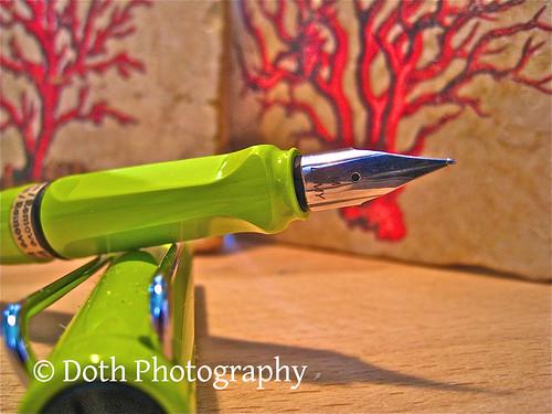 A lime green LAMY Safari fountain pen.