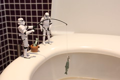 Fishing in the Toilets (Stfan) Tags: fish canon toy actionfigure eos starwars stormtroopers toilet wc fisher stormtrooper poisson jouet toilettes hasbro fishpole pche project365 cuvette chinesefish 450d cannepche stormtroopers365