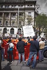 _MG_6974 (Encuestamani) Tags: barcelona espaa color canon photo flash tokina angular manifestacion 2010 1116 50d 1demayo ultrangular protestsurvey encuestamani