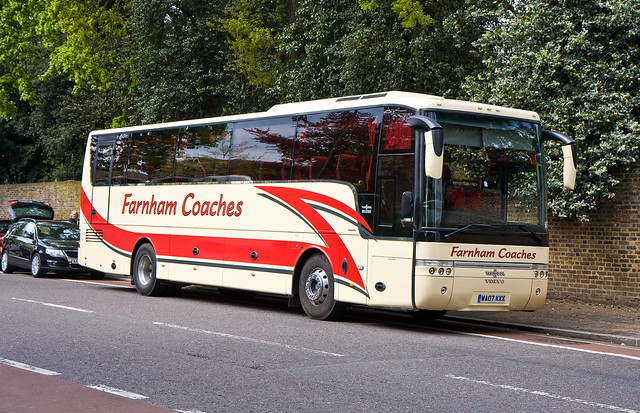 Farnham Coaches WA07KXX at Kew by 2E0MCA