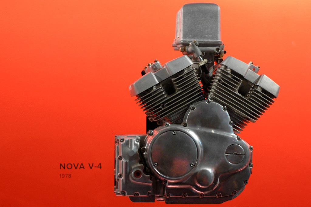 Harley Davidson V-4
