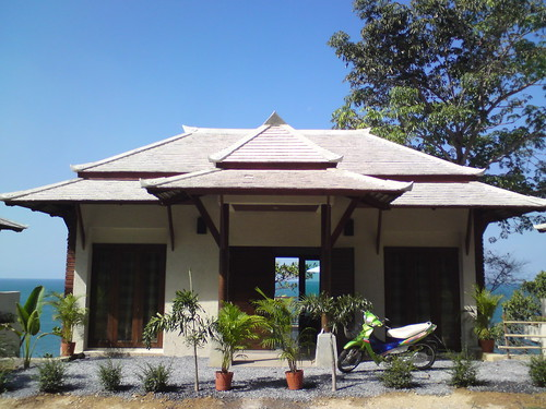 Front entrance to Klong Nin Seaview Villa