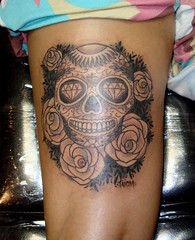Calavera (taiom) Tags: roses tattoo skull mexican rosas caveira maxicana blackgray taiom