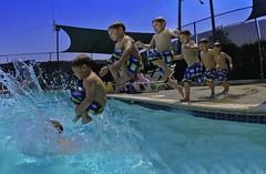 [フリー画像] 人物, 子供, 少年・男の子, 飛び込む・ダイブ, 201106132300