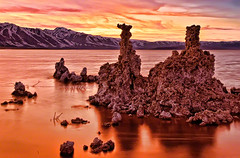 Dusk at Mono Lake, California (William Yu Photography / Chinaphotoworkshop) Tags: california travel sunset usa mountain lake reflection rock sunrise landscape dawn mono crystals dusk great scenic calcium basin sierra formation lee environment eastern tufa carbonate vining     chinaphotoworkshop
