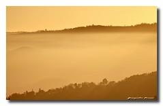 la nebbia sale tra' le colline.... (FIORASO GIAMPIETRO ITALY....) Tags: travel sunset italy tramonto viaggio vacanza vicenza emozioni veneto flickrsbest colliberici fioraso giampietro lecolline estremità lanebbia fiorasogiampietro