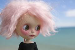 At the sea shore (lily_whitebear) Tags: doll blythe dolly squeakymonkey customblythe thedollygarage dollygaragecustom
