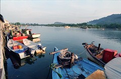 Boats, Kuala Kerteh... (- Majdi -) Tags: kuala fm terengganu kerteh trengganu kodakcolorplus200 filmjunkies