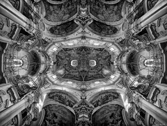 Saint Nicholas' Church - symmetrorama (Stevacek) Tags: blackandwhite bw blackwhite nikon prague wideangle praha symmetry flip czechrepublic symmetrical oldtown d300 sigma1020mm saintnicholas starmsto kostelsvathomikule somemajorcheatinggoingonhere