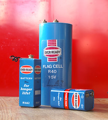 Never-Ready (russell_w_b) Tags: battery cell pp6 r40 everready r1662 flagbattery