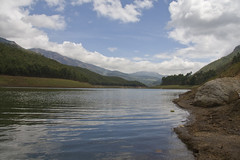 Kundala Lake (alano5678) Tags: sky cloud india lake reflection water station scenery view hill kerala hills shore munnar kundala
