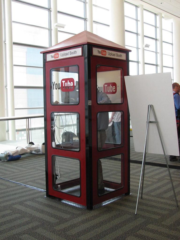 Google I/O 2009 youtube upload booth