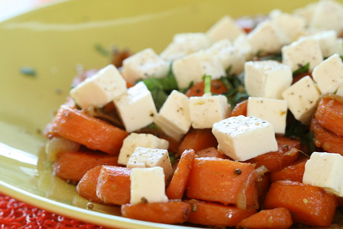 Warm gingered carrot salad with feta cheese / Soe ingveri-porgandisalat fetajuustuga