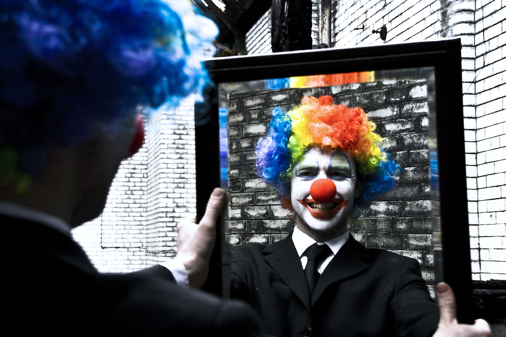 (9) Coulrophobia - the big man (or 'get a hold of yourself)