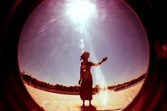 Madre del Emigrante (DavidGorgojo) Tags: madredelemigrante emigrante escultura gijn xixn asturias fisheye ojodepez lomo procesocruzado xpro crossprocessed