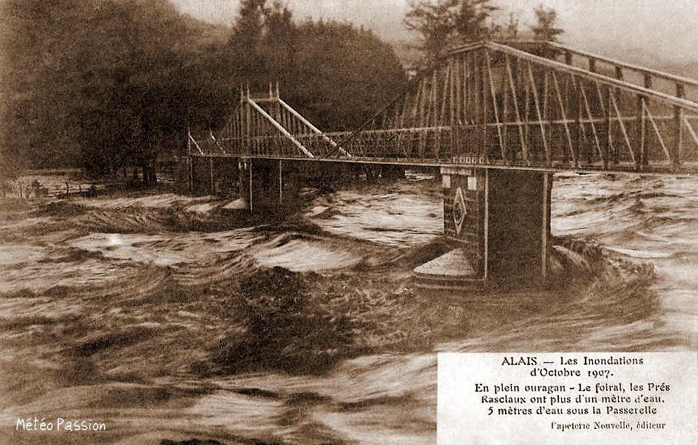 prairie du Foiral inondée à Alès en octobre 1907