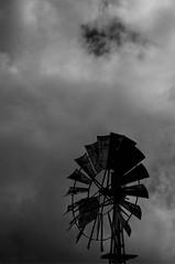_00Z799 (zalo_astur) Tags: pentax asturias molino nubes tormenta tineo blackwhitephotos k20d zaloastur