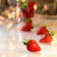 Strawberries ([c-h-i]) Tags: macro strawberries tamron 90mm f28 strobist 247bokehlife