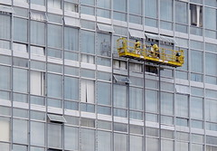 Weekend Window Washers (Mondmann) Tags: windows brazil building brasil ministry windowwashers brasilia predio ministerio canonpowershotg10