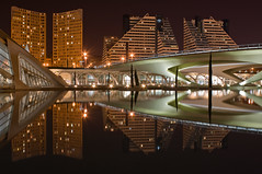 Reflecting my world (Kamuro) Tags: city light fab reflection valencia architecture night canon eos rebel spain nightshot shapes reflejo xs cac reflexions soe nocturne supershot rebelxs flickrsbest abigfave platinumphoto anawesomeshot aplusphoto citrit ysplix allxpressus thatsclassy rubyphotographer 1000d unusualviewsperspectives