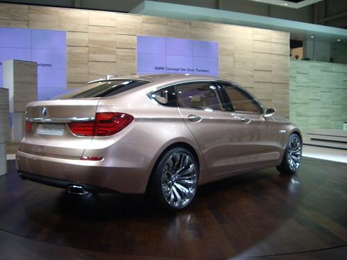 BMW5GT-19