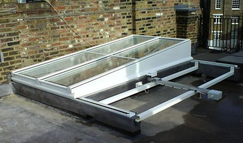 D0K2:Semi retracting Roof Access Rooflight