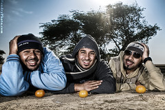 Orangeena (A.alFoudry) Tags: blue winter friends sky orange sun tree me smile fruit clouds canon studio happy eos desert outdoor flash ground bluesky full frame wireless 5d p kuwait usm fullframe ef 1740mm canonef1740mmf4lusm 580ex 1740 ammar kuwaiti transmitter q8 nawaf abdullah flashes icecap speedlite  canon1740 f4l canoneos5d  kuw ste2 q80 alothman  strobistcom strobist xnuzha alfoudry   abdullahalfoudry alsaleh   foudryphotocom