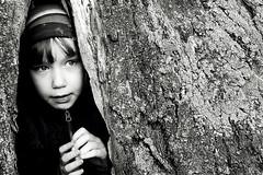 Slpyniuotis. (Lietuje) Tags: portrait bw tree girl kid child nikond50 ne jb taip ne4 ne5 ne2 ne3 taip2 taip5 taip7 taip10 taip3 taip4 taip6 taip8 taip9 fotofiltroauksas