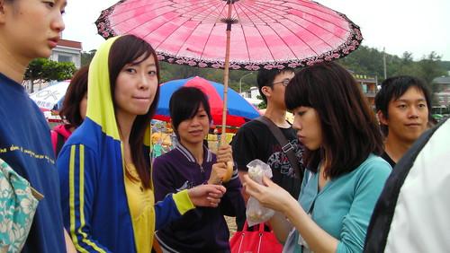這張重點在阿雅的傘 by you.