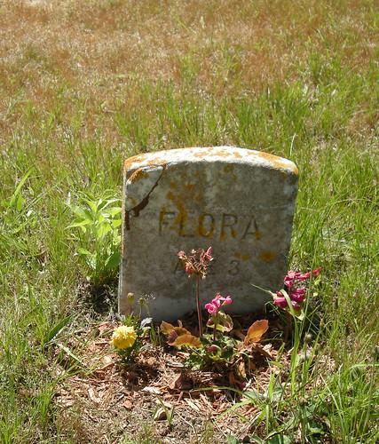 flora, age 3