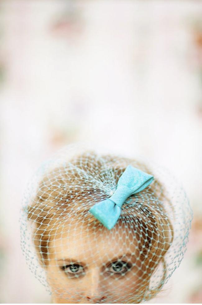 blue-birdcage-veil-vintage-bride1