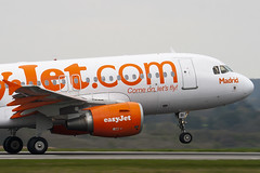 G-EZBI - 3003 - Easyjet - Airbus A319-111 - Luton - 100414 - Steven Gray - IMG_9927