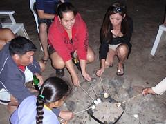 083- Roasting Mallows (HaYnCaNdi808) Tags: camping oahu mark candace northshore hi tiana laborday dyan ficoh malaekahana