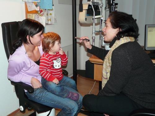 beim Augenarzt2
