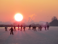 Let's ice skate to the sunset horizon (B℮n) Tags: iceage tramonto topf300 celebration supernova wintertime topf100 500faves topf200 waterland nationalholiday frozenlakes holysloot topf400 ijspret elfstedentocht ransdorp naturalice holidayonice 100faves 200faves 300faves holidaysvacanzeurlaub 400faves 15degreescelcius holysloterdie winter2009 familiehappening koekenzopie spontaneouscelebration schaatseninwaterland skateoutdoor schaatsgekte nearbyamsterdam iceskatinginholland skateoutdoors skatingintothesunset funtoskate dutchlovetoskate 1millionpeopleonice natuurijsin2009 skatingmywayhome familyicefun letsiceskatetogether naturaliceinthenetherland amsterdamhemweg extremelowtemperature kilometersofnaturalice celebrationontheice coldwavehitsholland landelijkgezicht familyhappening