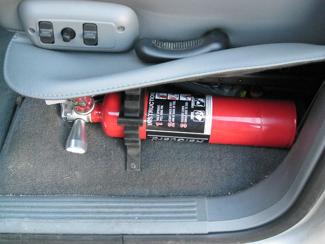 truck fire safety equipment mount dodge ram extinguisher fireextinguisher mounting dodgeram powerwagon dodgepowerwagon halon safetygear safetyequipment 2007dodgeram subsitute 2007powerwagon 2007dodgepowerwagon quikfist quickfist halguard 2007dodge2500