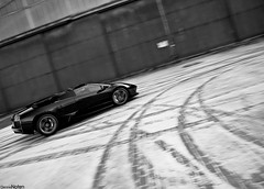 LP640 R. (Denniske) Tags: bw white snow black ice digital canon eos am movement photoshoot martin belgium action air january belgië optical sigma os 01 strip 09 lp be and dennis panning 31 zwart wit lamborghini 18200 base 2009 v8 aston rami vantage limburg roadster murcielago zw 640 sinttruiden fotoshoot noten carspotting emmerson stabilizer 18200mm sttruiden brustem 3563 lp640 f3563 40d n400 denniske dennisnoten v8v