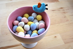 cadbury mini eggs (sevenworlds16) Tags: pink bird easter pin candy chocolate mini bowl cadbury icecream eggs 365 project3661 2009yip 3652009