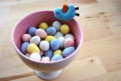 cadbury mini eggs (sevenworlds16) Tags: pink bird easter pin candy chocolate mini bowl cadbury icecream eggs 365 project3661 2009yip 3652009