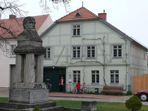 Heimatmuseum und Turnvater Jahn Denkmal