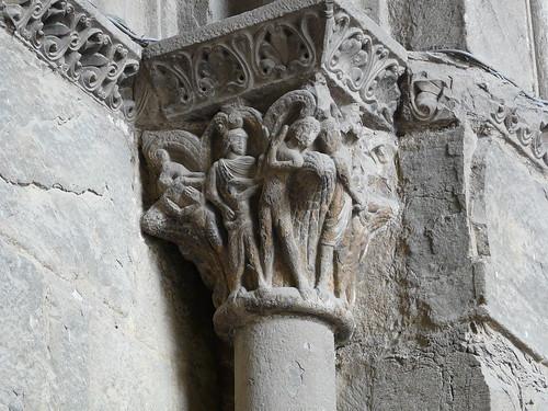 Capitel puerta principal (4)