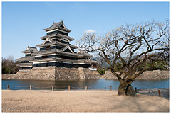 Matsumoto - Matsumoto Castle (bug944) Tags: japan  matsumoto   japanesecastle  matsumotoj k20d da2132ltd 2009japan