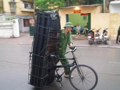 比瑞爸載行李還厲害的載物功tn_力 (1)